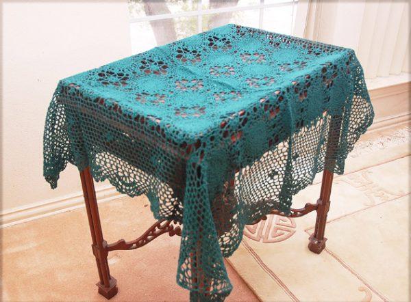 crochet square tablecloths, hunter green crochet tablecloths, hunter green color, crochet lace
