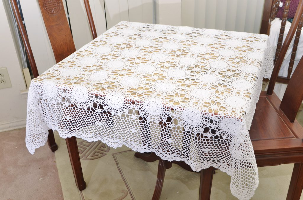crochet square tablecloths, white crochet tablecloths, white crochet square tablecloths.