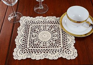 Sun Flowers Crochet Square Doilies. White/Ecru colored.